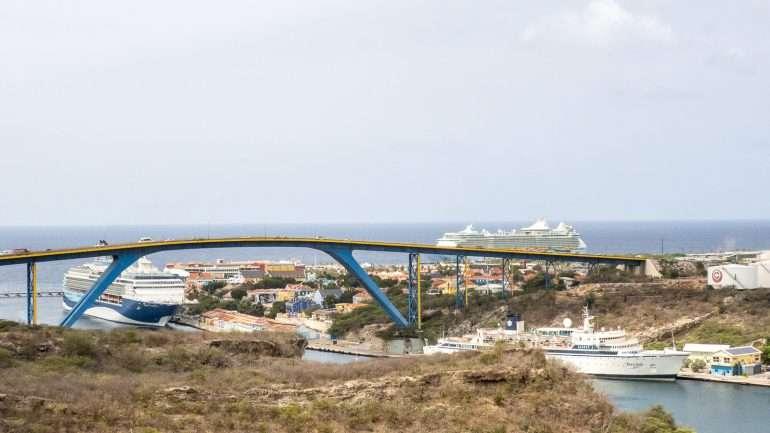 Curacao saarikierros silta