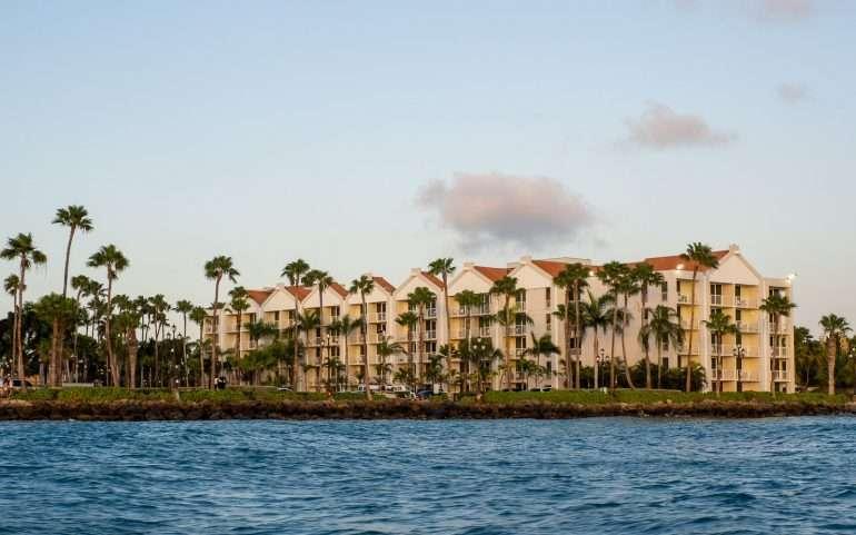 Ocean Suites mereltä päin