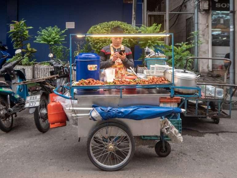 Bangkok - Rahat takaisin peruutetuista lennoista