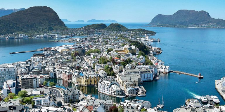 ålesund SeaDream ja Hurtigruten
