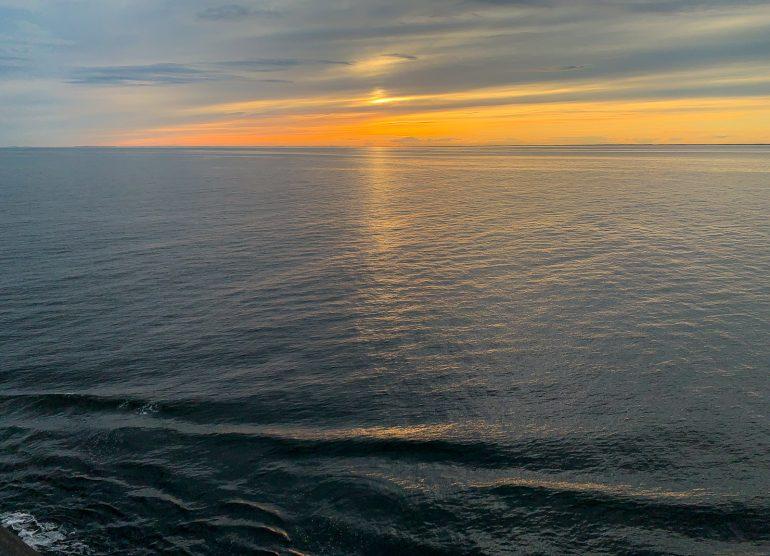 Auringonlasku Suomenlahdella