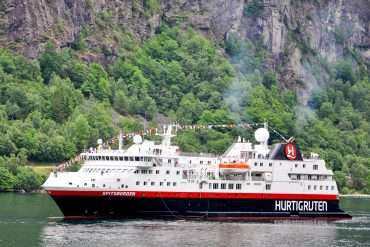 Hurtigruten feature