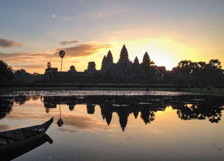 Angkor auringonnousu