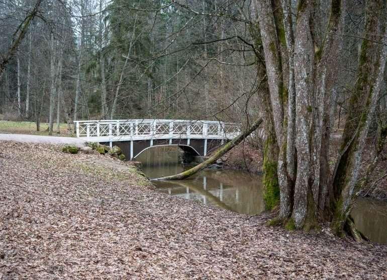 Träskandan kartano ja Glimsinjoen luontopolku