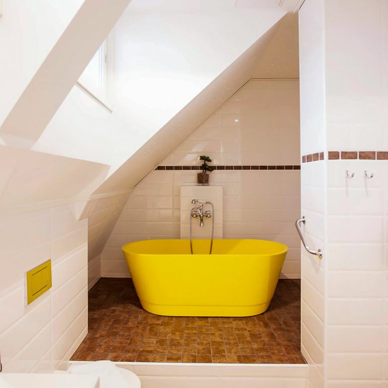 Junior-sviitin kylpyamme (kuva hotellin sivuilta)