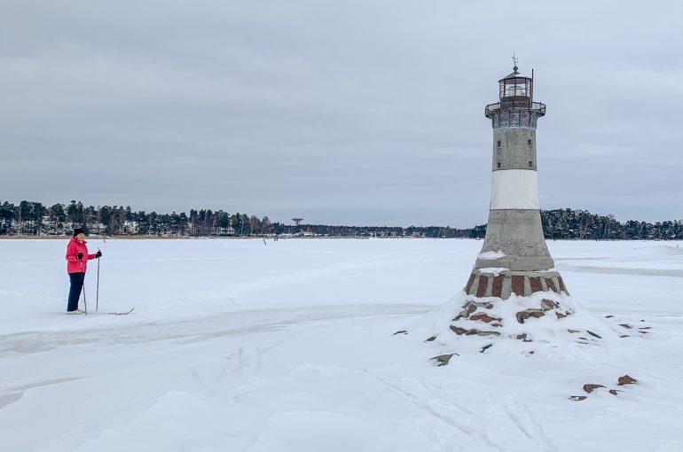 Hiihtoa jäällä Espoossa