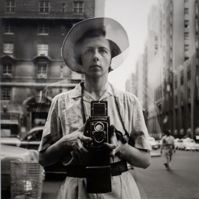 Kuvaaja ja kamera Rolleiflex