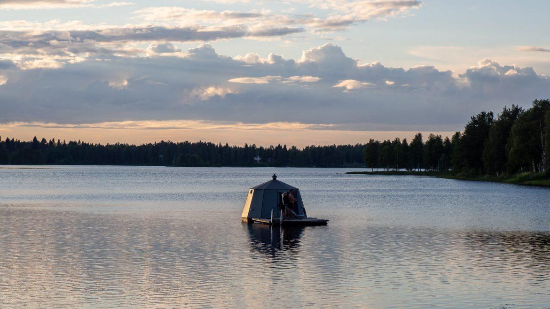AuroraHut Ranua järvellä