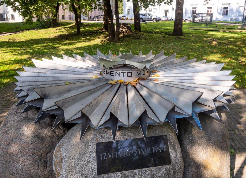 Stalinin vainojen muistomerkki Tarton nähtävyydet