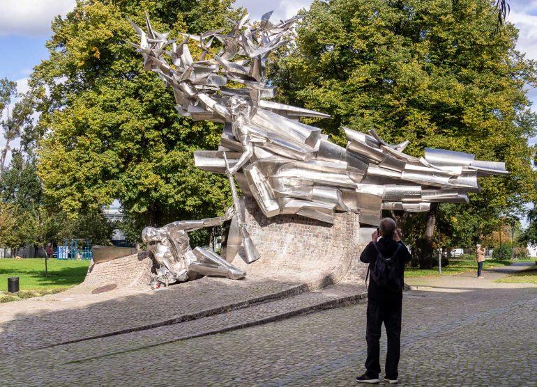 Gdansk toinen maailmansota Puolan postimuseo patsas